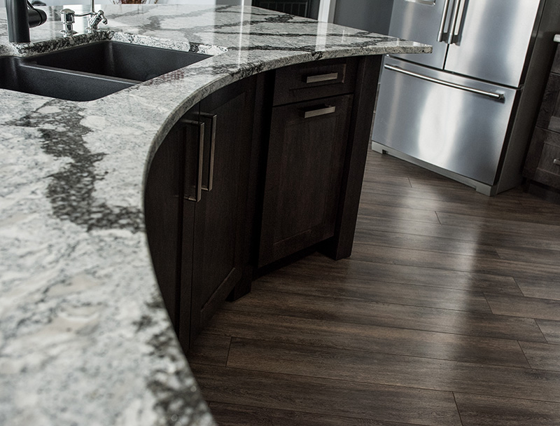16ft Curved Island Kitchen